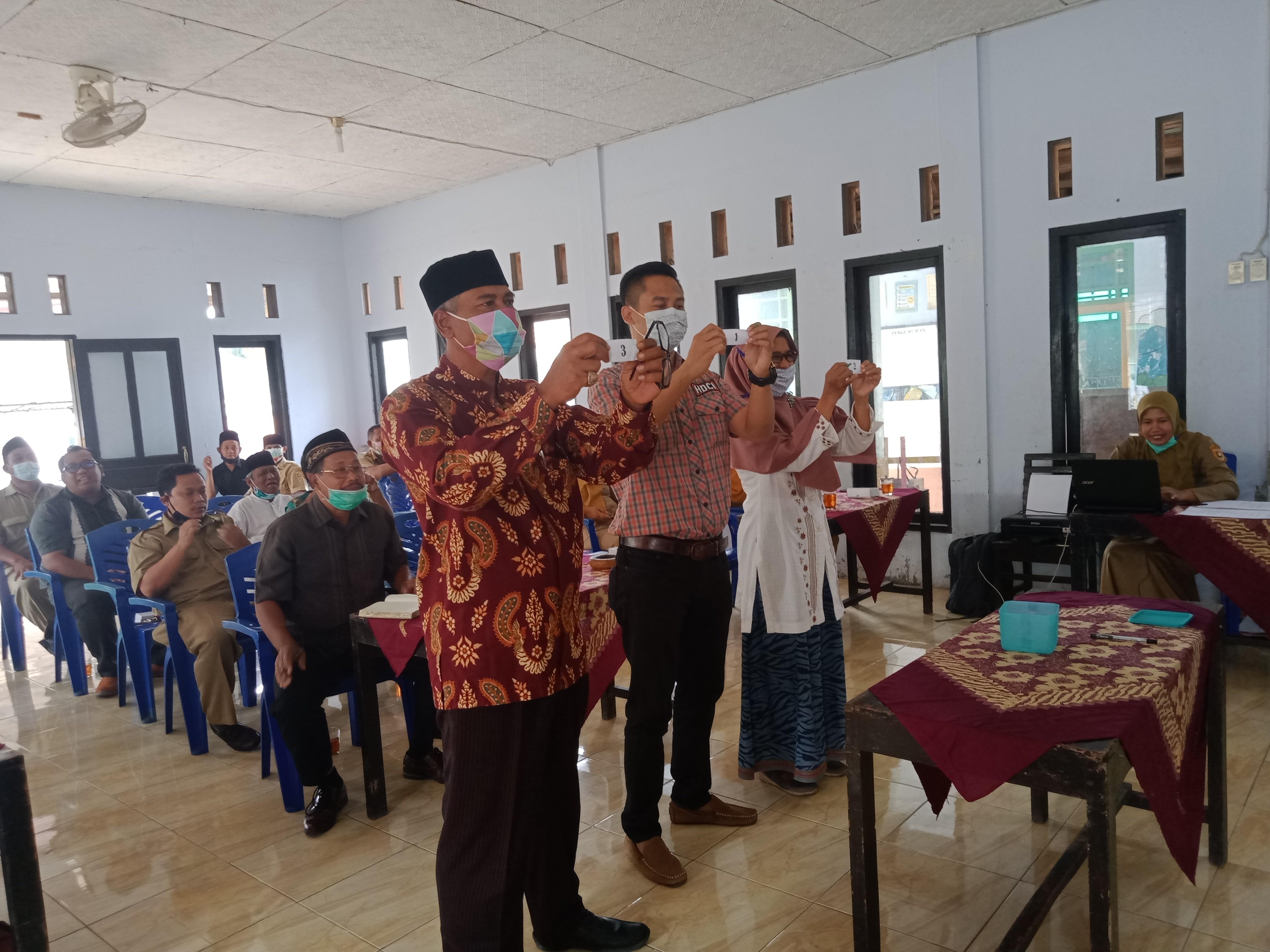 Penetapan dan Pengundian Nomor Urut Calon Kades PAW Tahun 2021 Desa Kebon Gunung Kecamatan Loano